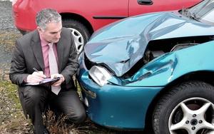 Оценка ущерба автомобиля после ДТП: правила, порядок и сроки